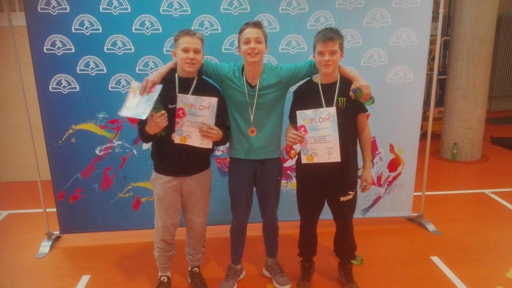 287b111876e 13.märts toimusid ka koolidevahelised lauatennise võistlused, nii nooremad  poisid Oskar Roots, Joonas Põldmaa ja Marten Leosk kui ka vanemad Rene  Sorksepp, ...