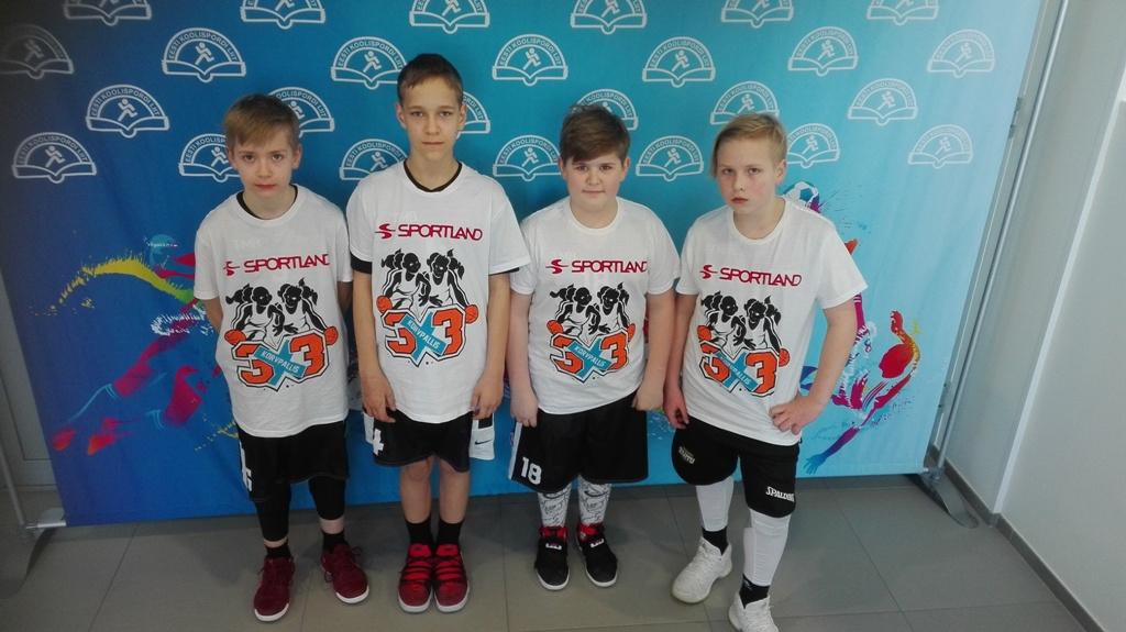 """ae8296500dd Tänusõnad ka korvpalliklubi """"Tartu"""" treeneritele, kelle käe all poised  igapäevaselt harjutavad."""